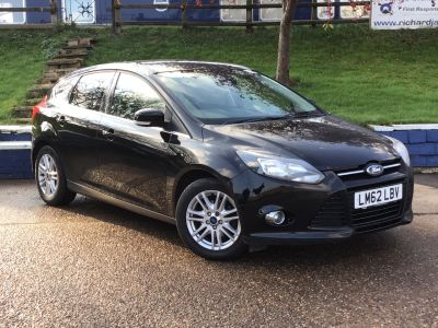 Ford Focus 1.0 125 EcoBoost Titanium 5dr Hatchback Petrol Black at  Richard James Cars Northampton
